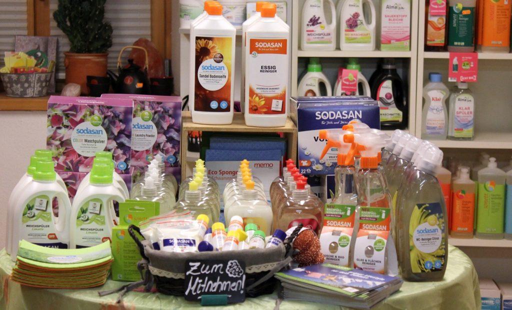 Reinigungsmittel und Waschmittel